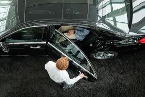 limousine-clients-XMQ5AQD